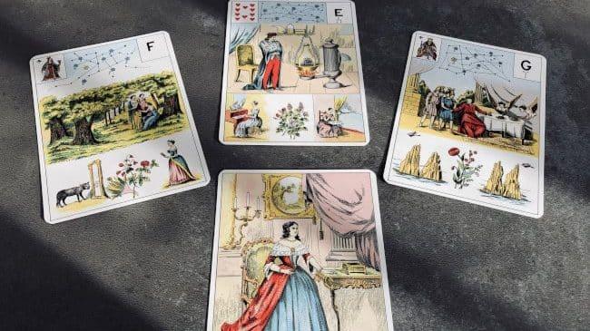 Exemple de tirage simple avec le Grand Lenormand : 3 ou 4 cartes suffisent !
