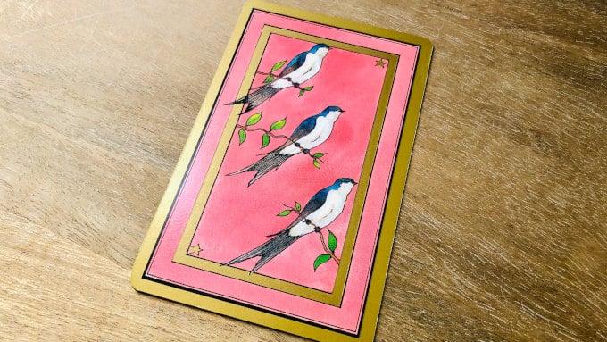 La Carte Hirondelles dans le Tarot Persan Indira