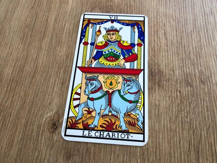 La carte du Chariot dans le Tarot de Marseille vous promet de triompher !