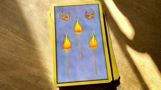 Les Flambeaux, carte protectrice du tarot Persan Indira