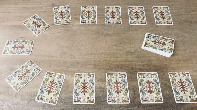 Le Fer à Cheval ou tirage à 13 cartes de cartomancie