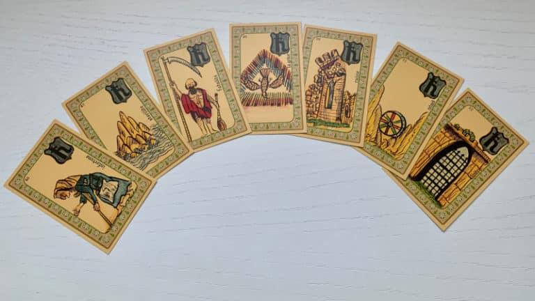 Les cartes de l'Oracle Belline marquées par Saturne