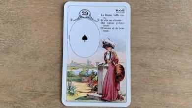 Petit Lenormand - La Dame (29) et ses associations de cartes