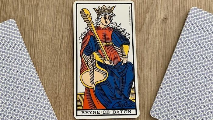 Tarot de Marseille - Reine de Bâtons