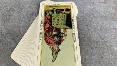Tarot égyptien - Maladie - le Bateleur (carte renversée n°15)