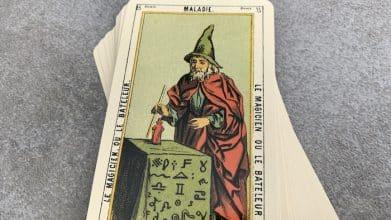 Tarot égyptien - Maladie - le Magicien (carte droite n°15)