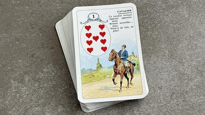 Petit Lenormand Cavalier carte 1