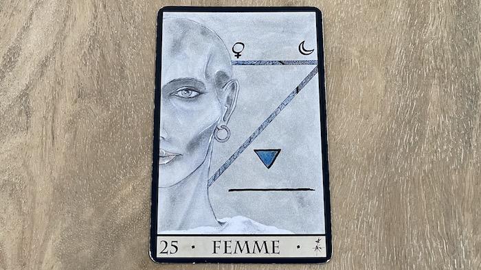 25 femme oracle triade - tirage faché