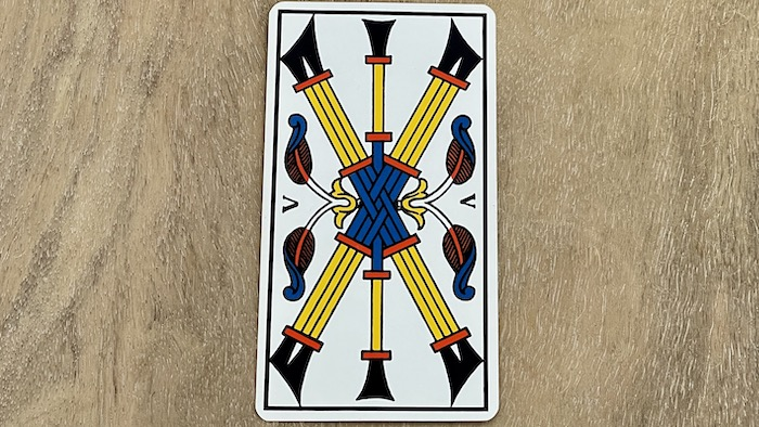 5 de Bâtons - arcane mineur - tarot de Marseille