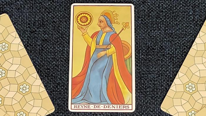 Reine de Deniers - arcane mineur - tarot de Marseille - Fournier