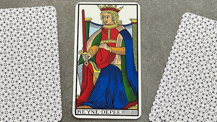 Reine de l'Épée - arcane mineur - tarot de Marseille - Camoin