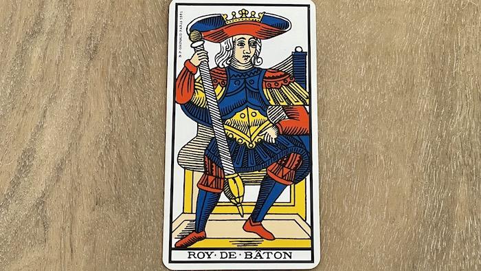 Roi de Bâtons - arcane mineur - tarot de Marseille - Grimaud